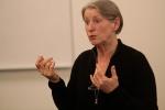 Anna Luise Kirkengen, professor, dr. med. Allmennmedisinsk Forskningsenhet, Institutt for samfunnsmedisin, NTNU og Institutt for samfunnsmedisin, Universitetet i Tromsø.