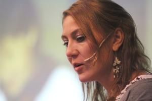 Maja Michelsen er språkviter og jobber ved Høgskolen i Østfold.