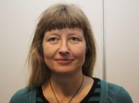 Kristin Stavnes er PhD-kandidat og spesialist i barne- og ungdomspsykiatri og i voksenpsykiatri. Hun jobber ved Nordlandssykehuset.